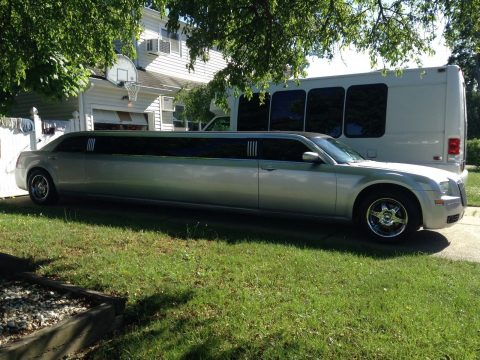fully working 2006 Chrysler 300 Series limousine for sale