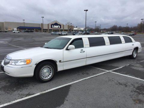 garag kept 2001 Lincoln Town Car limousine for sale