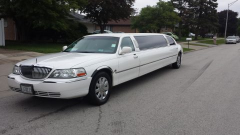 great shape 2005 Lincoln Town Car SIGNUTURE limousine for sale