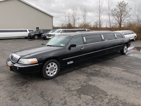 maintained 2006 Lincoln Town Car limousine for sale