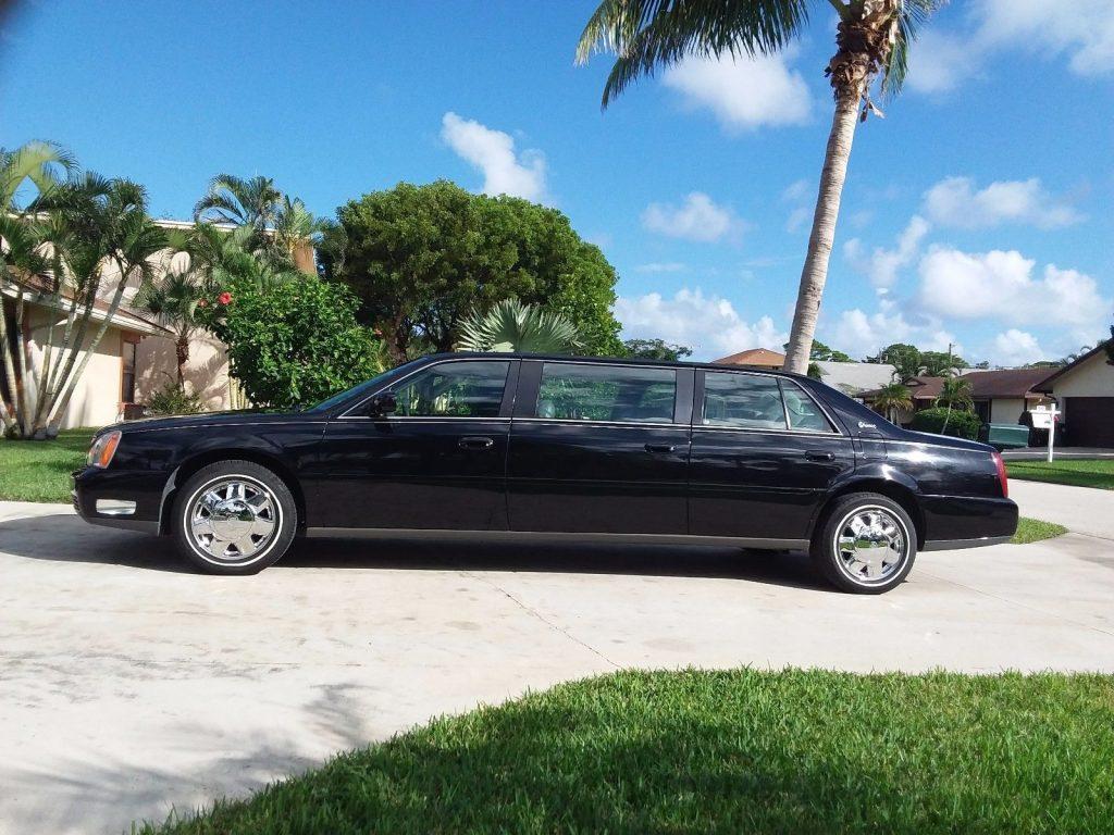 mint 2001 Cadillac DTS Superior LIMOUSINE