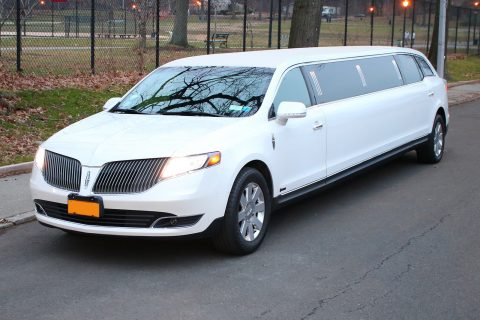 very clean 2014 Lincoln MKT Limousine for sale