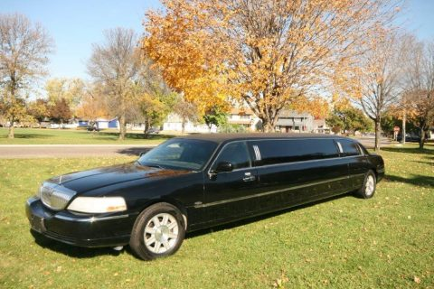 loaded 2009 Lincoln Town Car Royal Limousine for sale