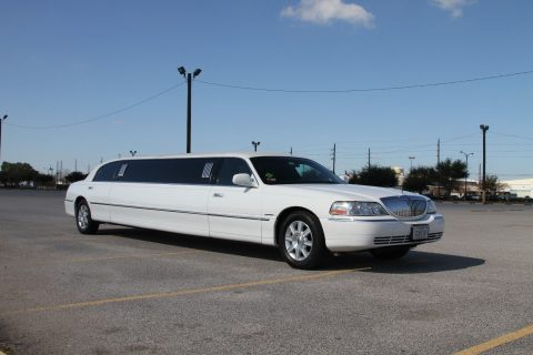 perfectly maintained 2007 Lincoln Town Car limousine for sale