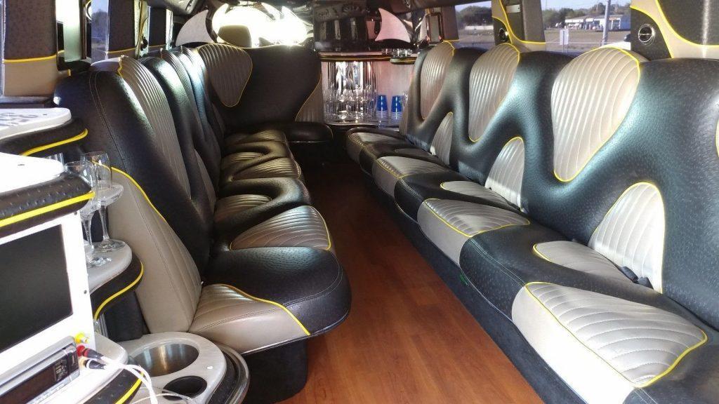 Triple Axle 2007 Hummer H2 limousine