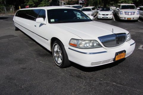 excellent 2007 Lincoln Town Car limousine for sale
