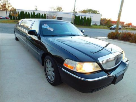smooth running 2005 Lincoln Town Car Premium Royale Limousine for sale