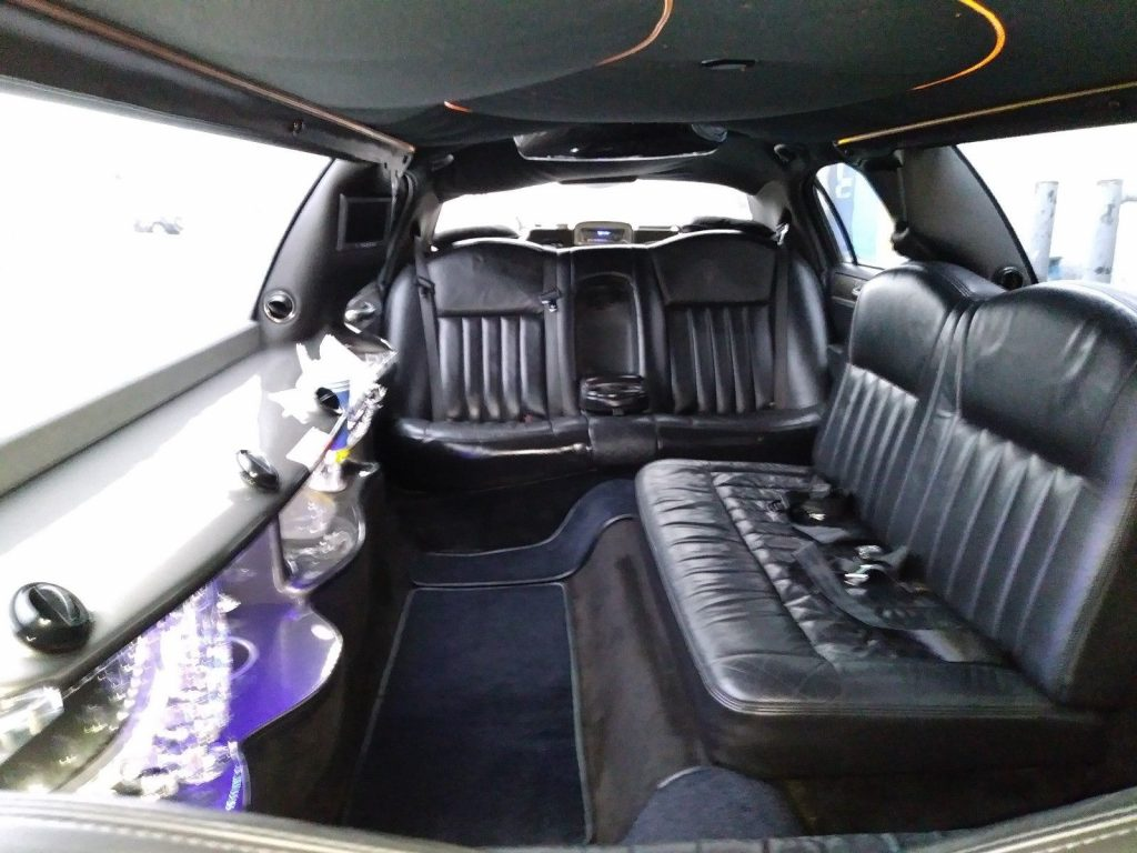 extra parts 2006 Lincoln Town Car Limousine