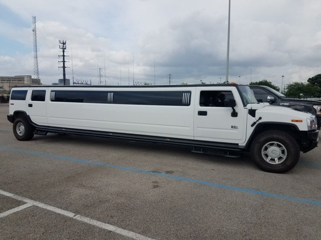 perfect shape 2005 Hummer H2 limousine