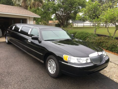 serviced 2002 Lincoln Town Car limousine for sale