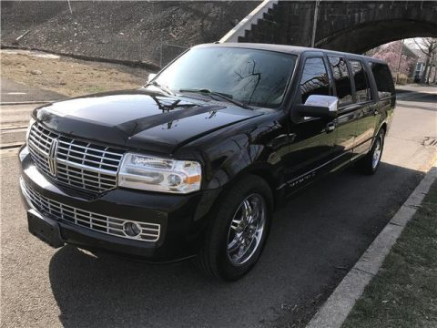 loaded 2009 Lincoln Navigator LIMOUSINE for sale