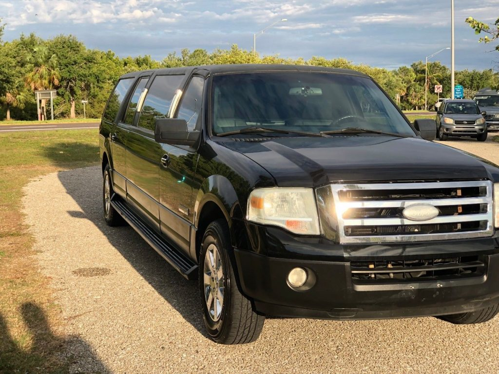 Runs and drives great 2007 Ford Expedition Krystal limousine