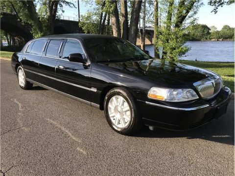 LOW MILEAGE 2010 Lincoln Town Car Limited Edition LIMOUSINE for sale