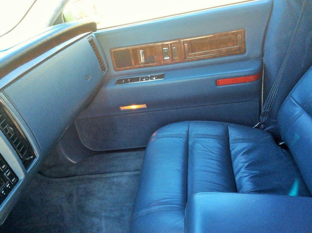 low miles 1996 Cadillac Fleetwood Limousine