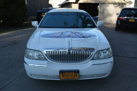 some blemishes 2004 Lincoln Town Car Limousine for sale