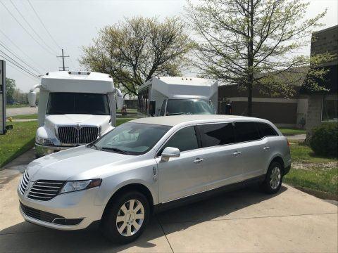 very nice 2017 Lincoln MKT Limousine Six Door limousine for sale