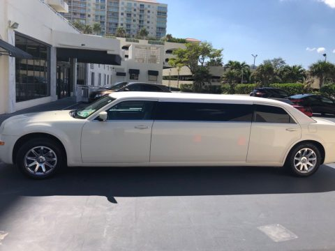 Bentley package 2008 Chrysler 300 Series limousine for sale