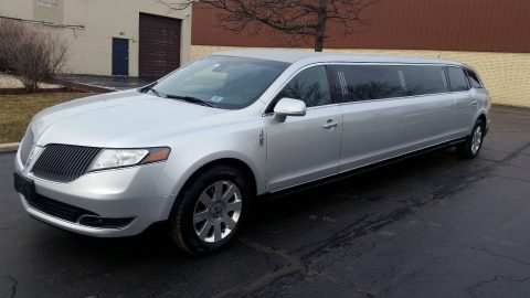 clean 2013 Lincoln MKT Limousine for sale