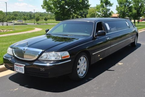 great shape 2004 Lincoln Town Car limousine for sale