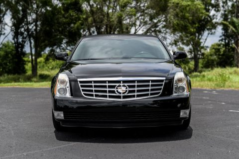 impeccable 2007 Cadillac DTS limousine for sale