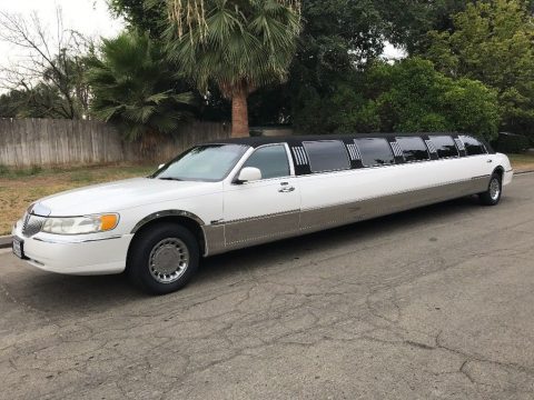 rare 2000 Lincoln Town Car 14 Passenger Limousine for sale