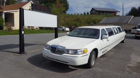 many new parts 2000 Lincoln Town Car Limousine for sale