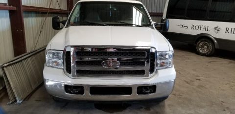 newer paint 2000 Ford Excursion limousine for sale