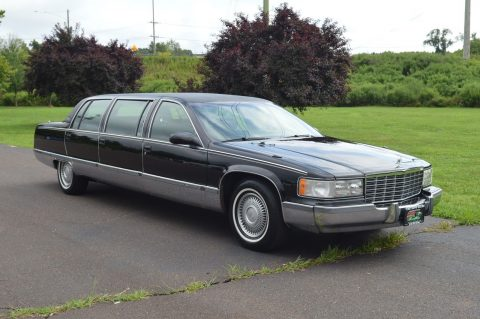 very nice 1995 Cadillac Fleetwood limousine for sale
