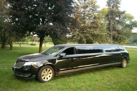 custom 2013 Lincoln Town Car Limousine for sale