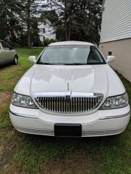 Mechanically restored 2006 Lincoln Town Car Limousine for sale