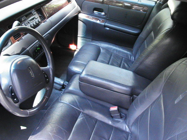 some blemishes 2002 Lincoln Town Car Limousine