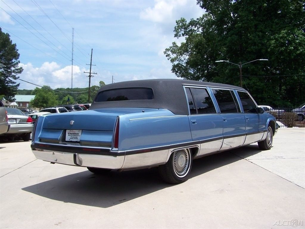 strong engined 1995 Cadillac Fleetwood limousine