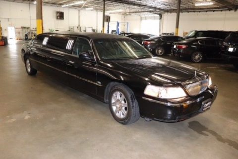 well serviced 2007 Lincoln Town Car Royale Limousine for sale