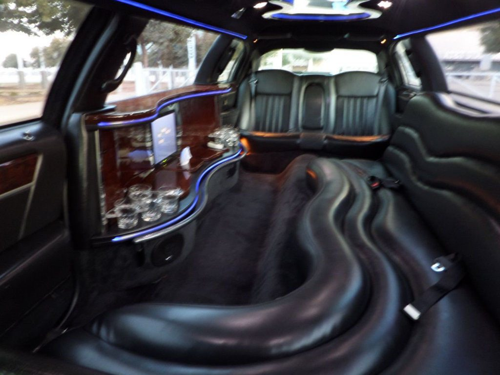 well serviced 2009 Lincoln Town Car Limousine