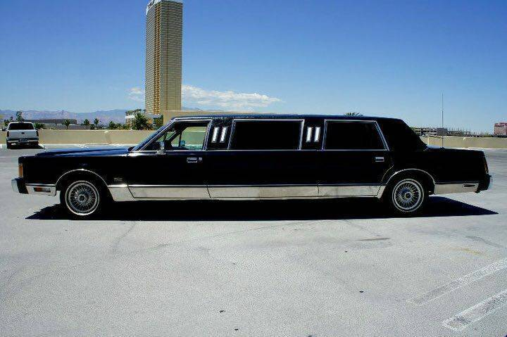 Classic 1989 Lincoln Town Car Limousine