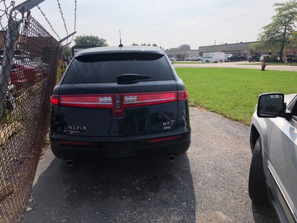 some imperfections 2014 Lincoln MKT Limousine