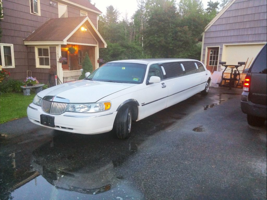 well maintained 1998 Lincoln Custom Limousine