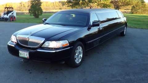 great running 2006 Lincoln Town Car limousine for sale