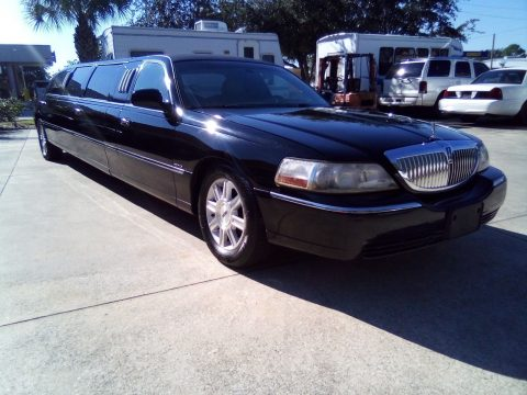 loaded 2006 Lincoln Town Car ROYAL Limousine for sale