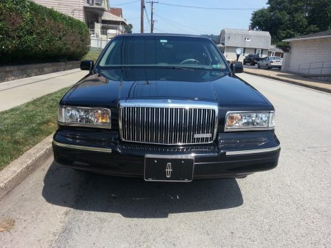 needs some paint work 1996 Lincoln Town Car Limousine for sale