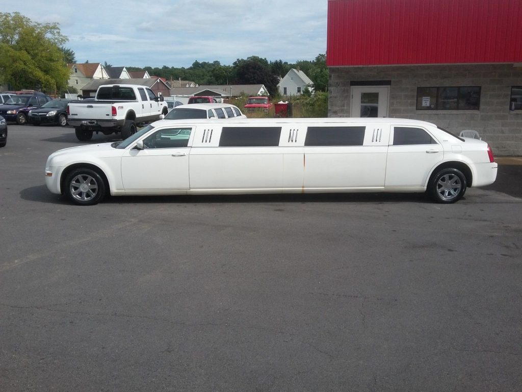 serviced 2005 Chrysler 300 Series limousine