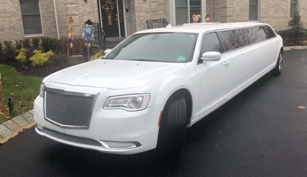 many upgrades 2016 Chrysler 300 Series Limousine