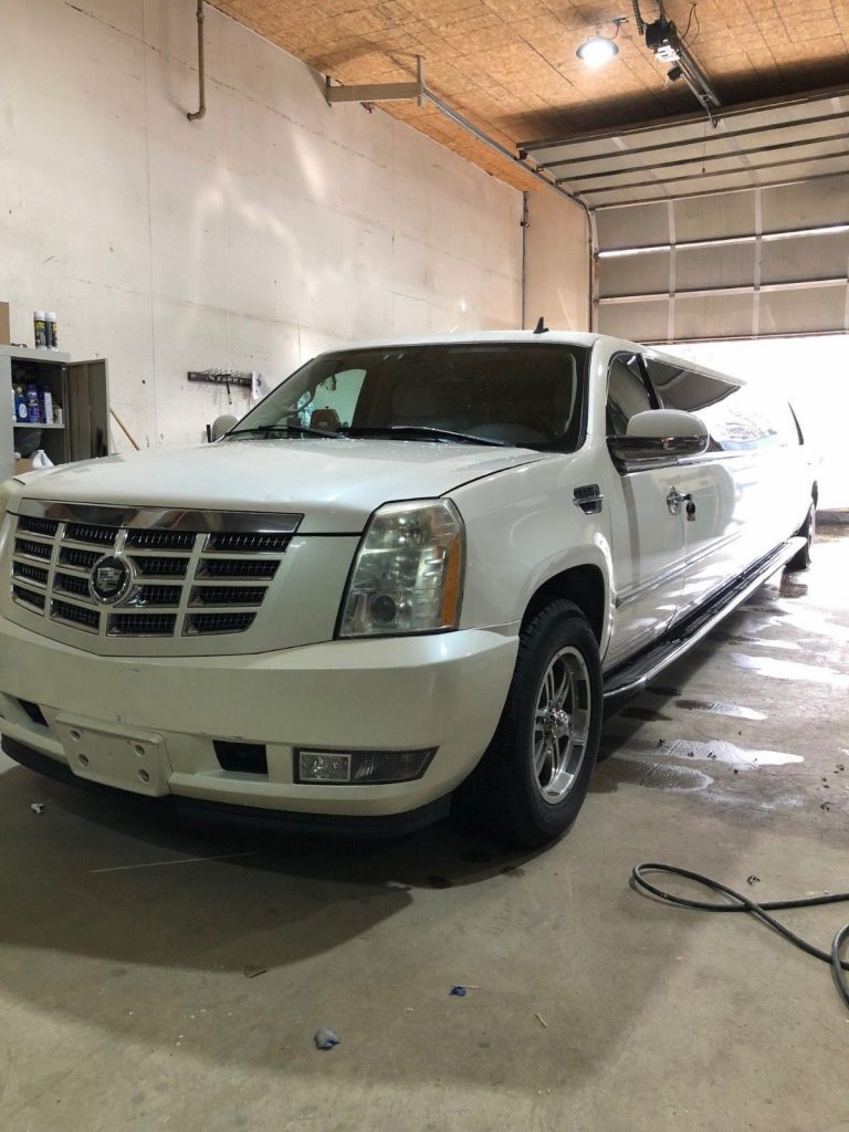 minor issues 2007 Cadillac Escalade limousine