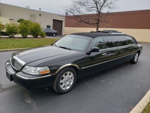 regularly serviced 2007 Lincoln Town Car Limousine for sale