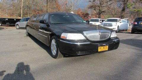 well optioned 2007 Lincoln Town Car Executive limousine for sale