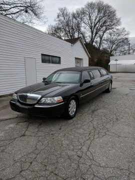 custom  2006 Lincoln Town Car limousine for sale