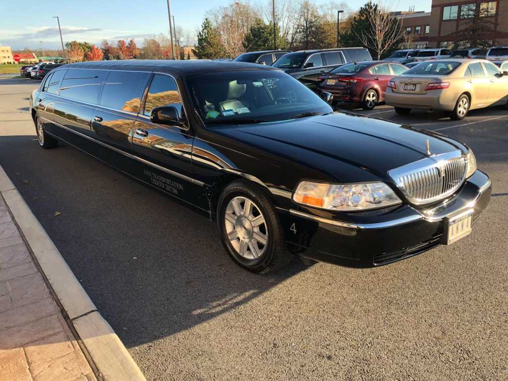 very nice 2011 Lincoln Town Car limousine
