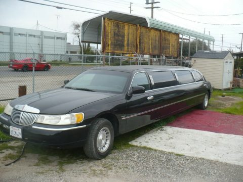 some blemishes 1999 Lincoln Town Car Limousine for sale
