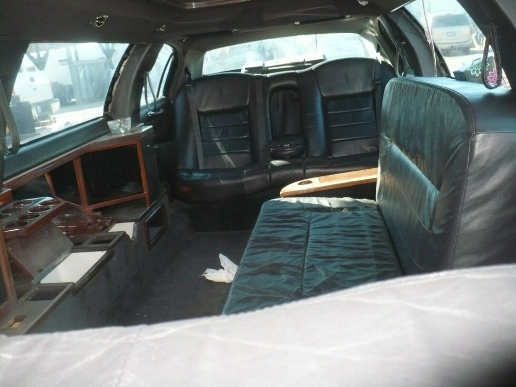 some blemishes 1999 Lincoln Town Car Limousine