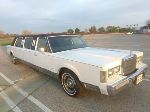 great shape 1988 Lincoln Town Car Limousine for sale